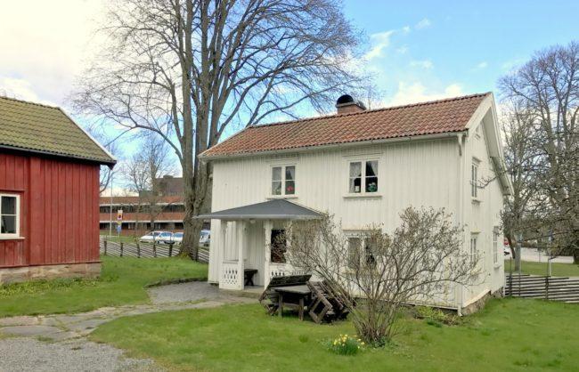 Anjougårdens mangårdsbyggnad. Foto: Kjell-Åke Brorsson, april 2017.