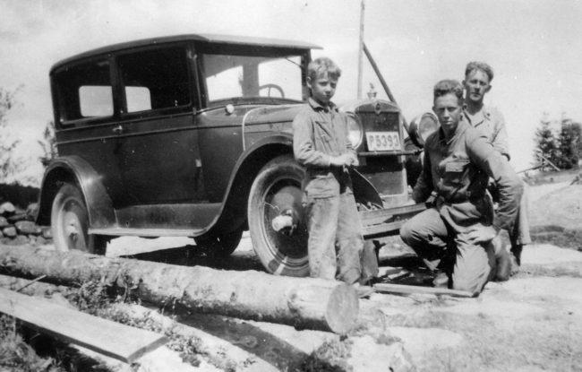 Foto från början av 1930-talet. På bilden sönerna Verner, Ivar och Bror.