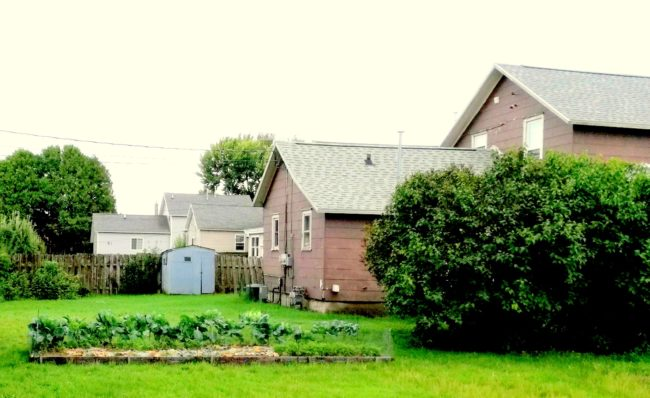Huset där mormors familj bodde, som det såg ut 2018. Foton: Ingela Andersson.