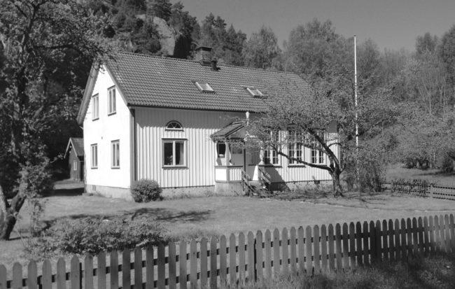 Skolhuset, numera bostad. Foto: Kjell-Åke Brorsson 2015